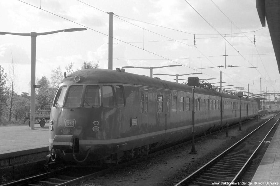 http://www.traktionswandel.de/pics/foren/hifo/1972-09-24_A110-57_456102-2_BwHeidelberg_N2351_Heidelberg_900.jpg