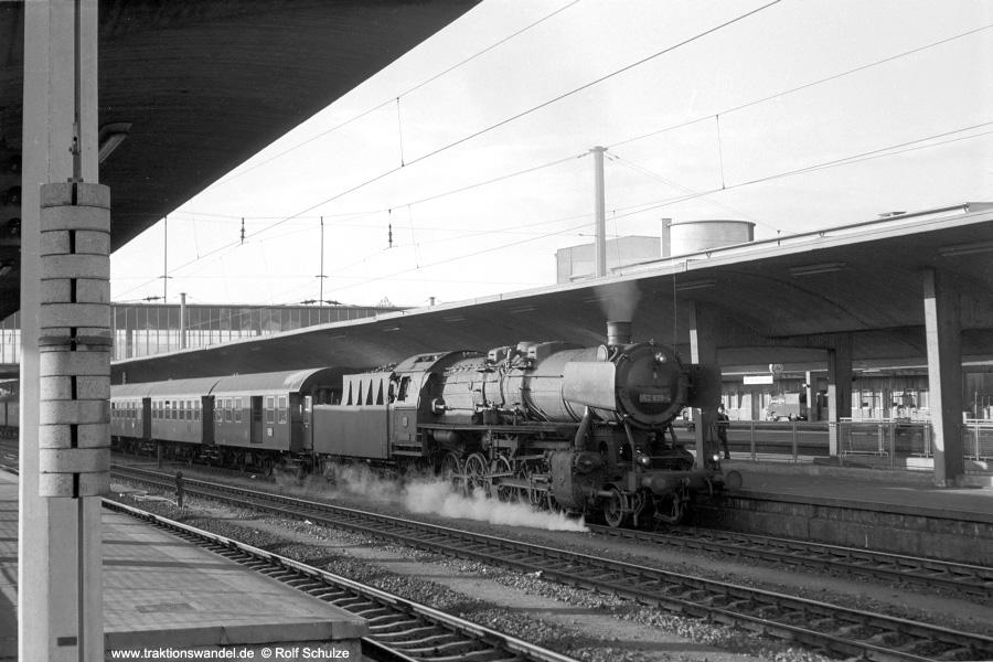 http://www.traktionswandel.de/pics/foren/hifo/1972-09-24_A111-02_052638-4_BwMannheim_N2365_Heidelberg_900.jpg