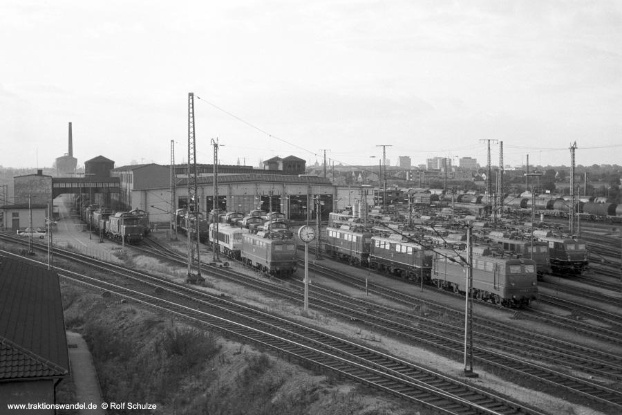 http://www.traktionswandel.de/pics/foren/hifo/1972-09-24_A111-05_Blick-ueber-Bw-Mannheim_900.jpg
