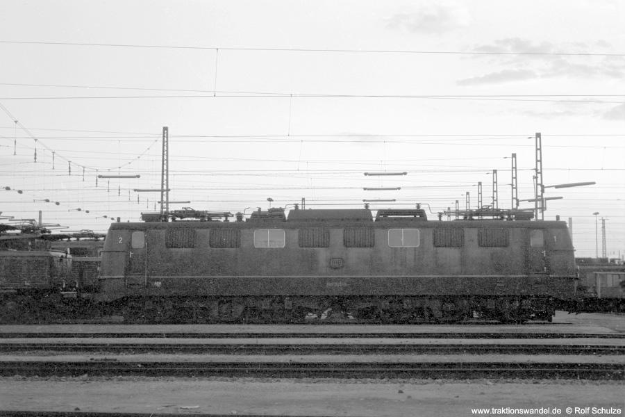 http://www.traktionswandel.de/pics/foren/hifo/1972-09-24_A112-01_150046-1_BwNuernbergRbf_imBwMannheim_900.jpg