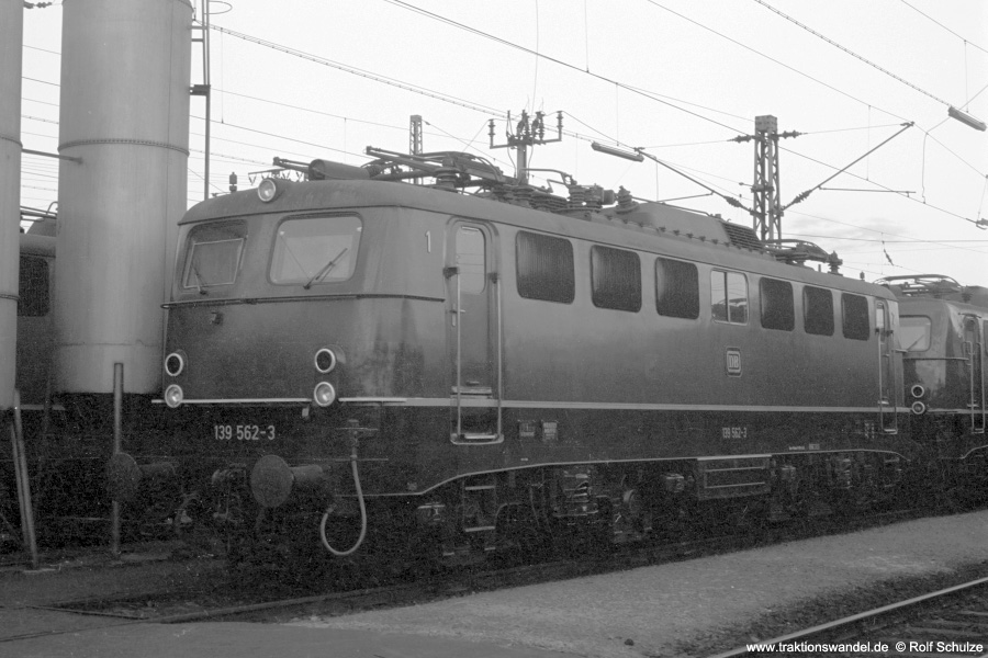 http://www.traktionswandel.de/pics/foren/hifo/1972-09-24_A112-05_139562-3_BwBebra_imBwMannheim_900.jpg