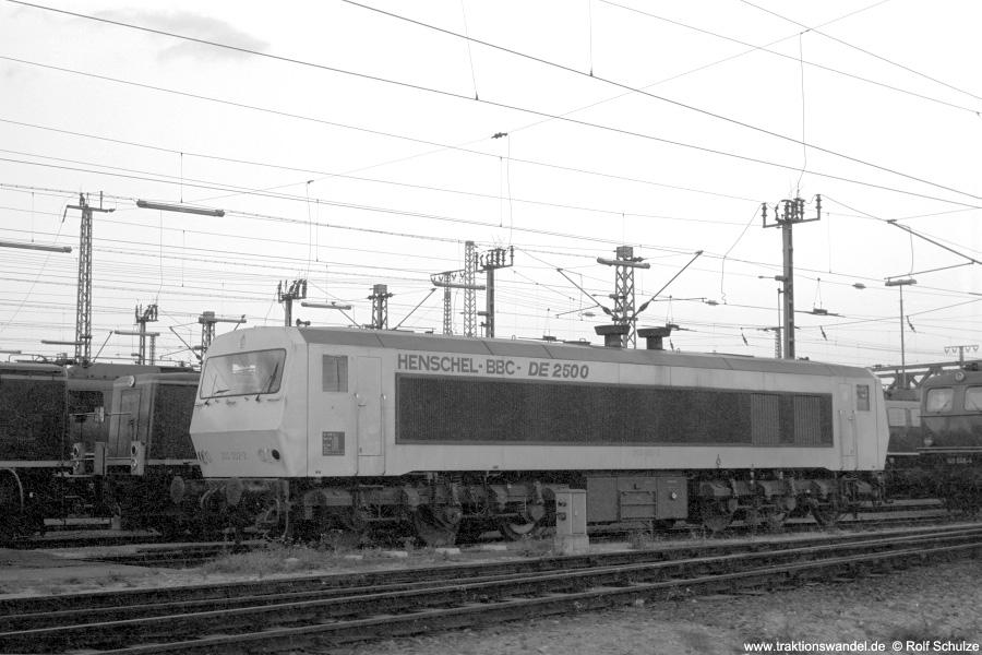 http://www.traktionswandel.de/pics/foren/hifo/1972-09-24_A112-14_202002-2_im-Bw-Mannheim_900.jpg