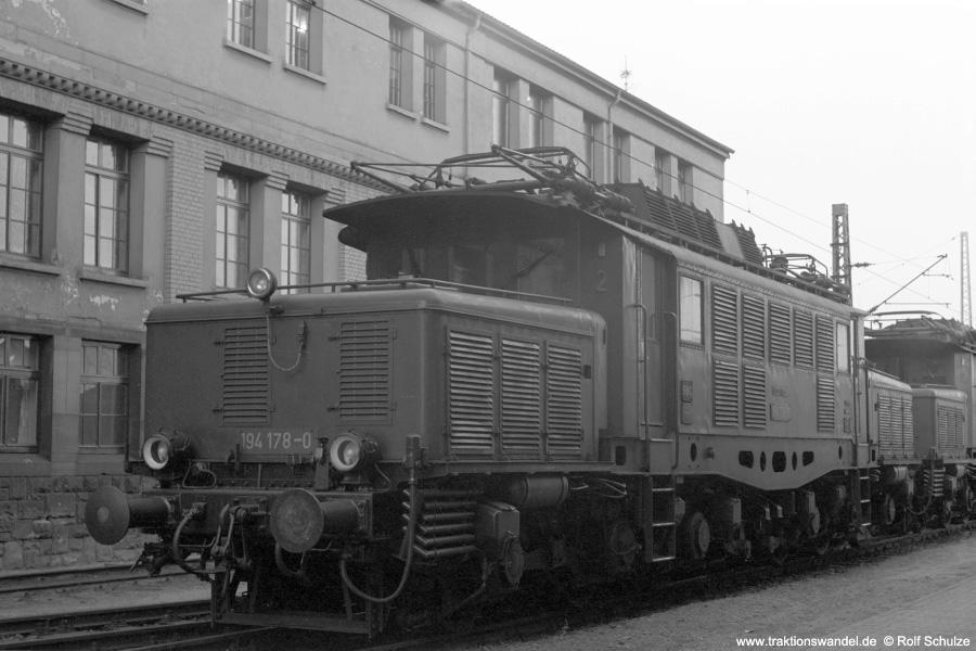 http://www.traktionswandel.de/pics/foren/hifo/1972-09-24_A112-18_194178-0_BwMannheim_dort_900.jpg