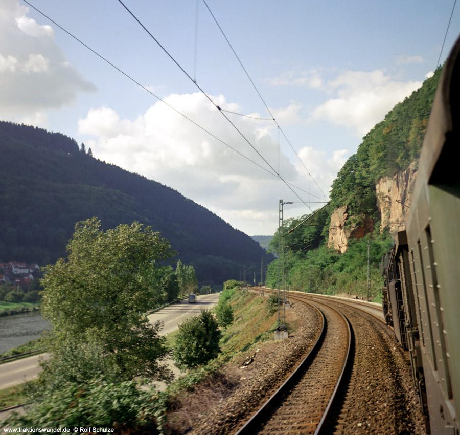 http://www.traktionswandel.de/pics/foren/hifo/1972-09-24_D13-16_023067-2_BwCrailsheim_E1956_Neckartal_900.jpg