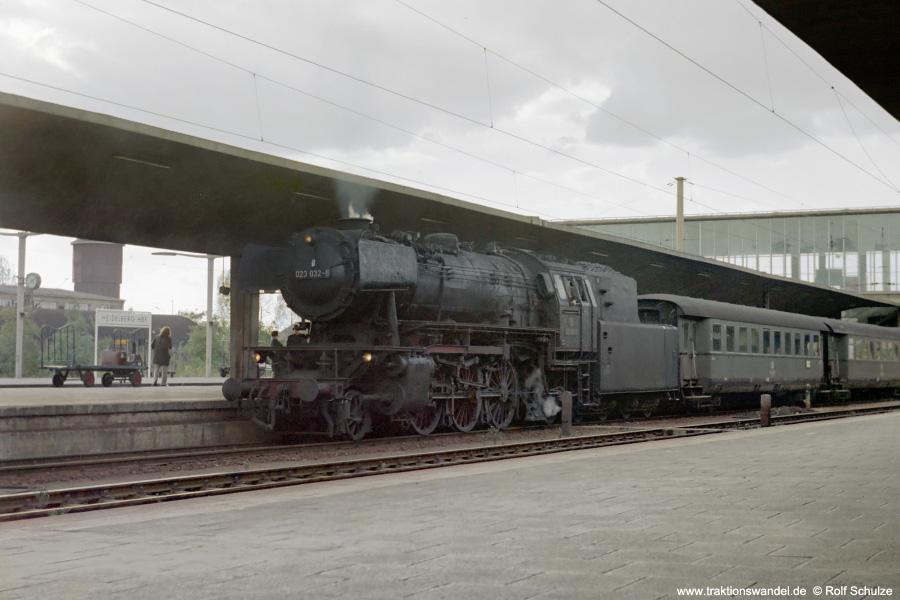http://www.traktionswandel.de/pics/foren/hifo/1972-09-24_D13-17_023032-6_BrCrailsheim_N2351_Heidelberg_900.jpg