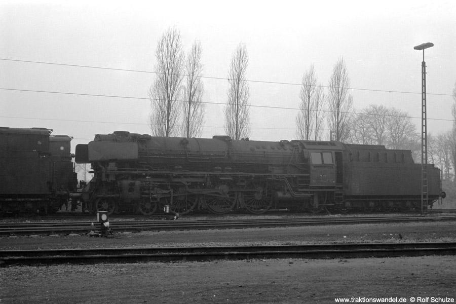 http://www.traktionswandel.de/pics/foren/hifo/1973-01-03_A121-31_011072-6z_BwRheine_dort.jpg
