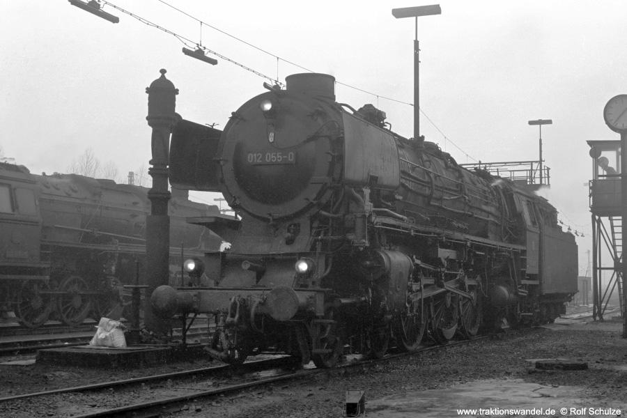 http://www.traktionswandel.de/pics/foren/hifo/1973-01-03_A121-34_012055-0_BwRheine_dort_900.jpg
