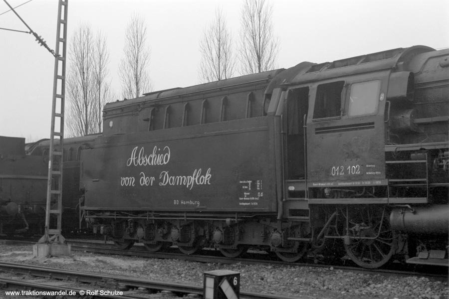 http://www.traktionswandel.de/pics/foren/hifo/1973-01-03_A122-11_012102_BwRheine_Tender-kalt_900.jpg