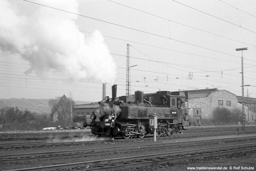 http://www.traktionswandel.de/pics/foren/hifo/1973-03-11_A129-10_98727_Bf-Ochsenfurt.jpg