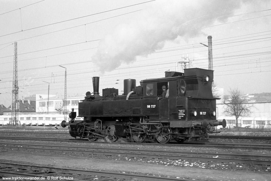 http://www.traktionswandel.de/pics/foren/hifo/1973-03-11_A129-12_98727_Bf-Ochsenfurt.jpg