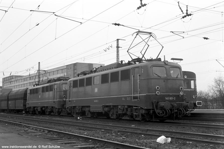 http://www.traktionswandel.de/pics/foren/hifo/1973-04-10_A132-35_140801-2_821-3_BwObh-Ostf-Sued_Gdg_SaarbrueckenHbf_900.jpg