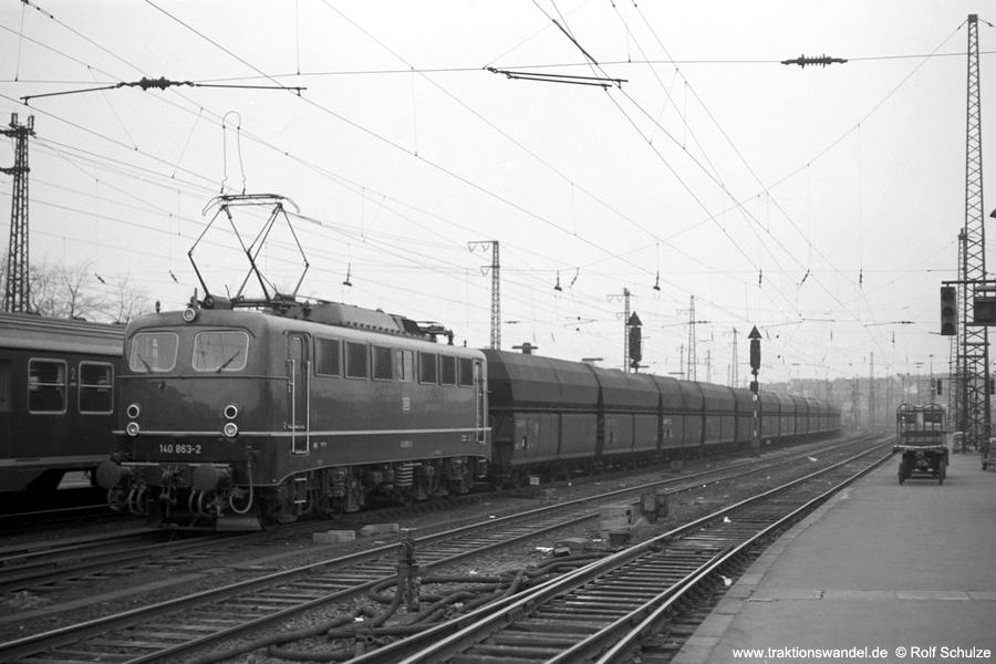 http://www.traktionswandel.de/pics/foren/hifo/1973-04-10_A132-37_140863_Schub-Gdg_SaarbrueckenHbf_900.jpg