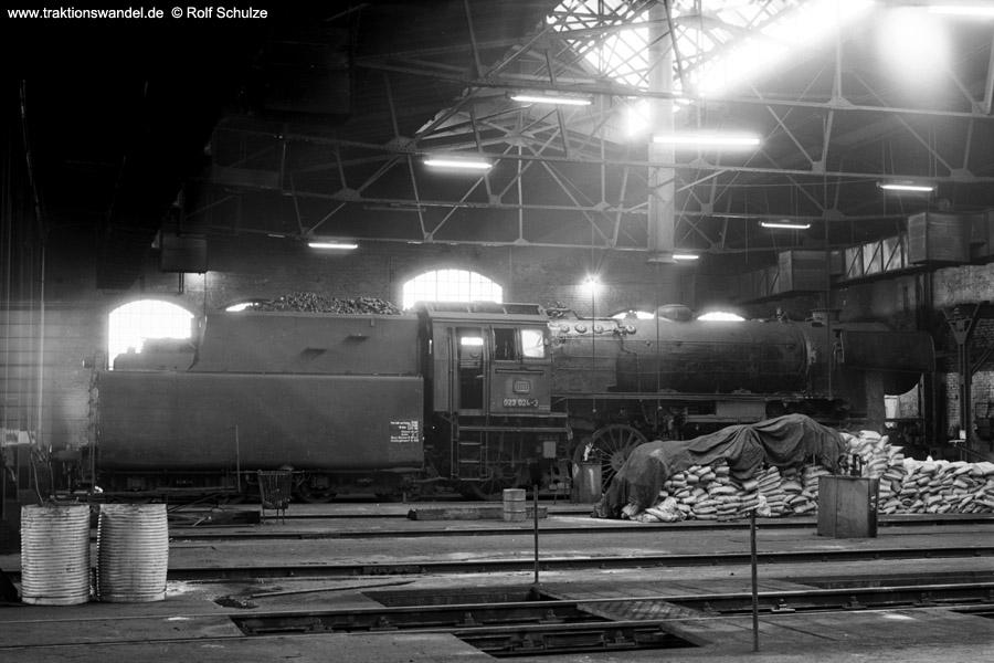 http://www.traktionswandel.de/pics/foren/hifo/1973-04-10_A134-10_023024-3_BwSaarbruecken_dort.jpg