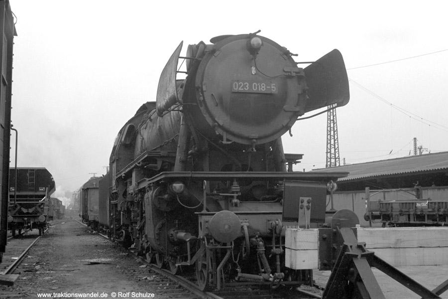 http://www.traktionswandel.de/pics/foren/hifo/1973-04-10_A135-03_023018-5z_BwSaarbruecken_dort.jpg