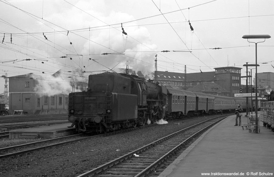 http://www.traktionswandel.de/pics/foren/hifo/1973-04-10_A135-07_023063-1_BwSaarb_N4075_SaarbrueckenHbf.jpg