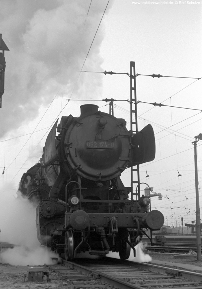 http://www.traktionswandel.de/pics/foren/hifo/1973-04-10_A135-10_052174-0_BwSaarb_N4081_SaarbrueckenHbf-Ausf.jpg