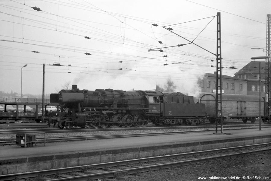 http://www.traktionswandel.de/pics/foren/hifo/1973-04-10_A135-19_050736-8_Bw_Gz_SaarbrueckenHbf.jpg