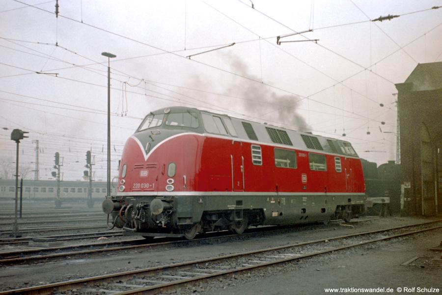http://www.traktionswandel.de/pics/foren/hifo/1973-04-10_B27-32_220030-1_BwKaiserslautern_imBwSaarbruecken_900.jpg