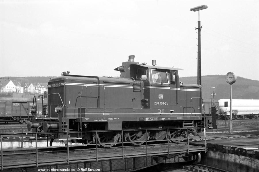 http://www.traktionswandel.de/pics/foren/hifo/1973-04-26_A143-19_260450-2_BwSiegen_imBwBetzdorf-Drehscheibe_900.jpg