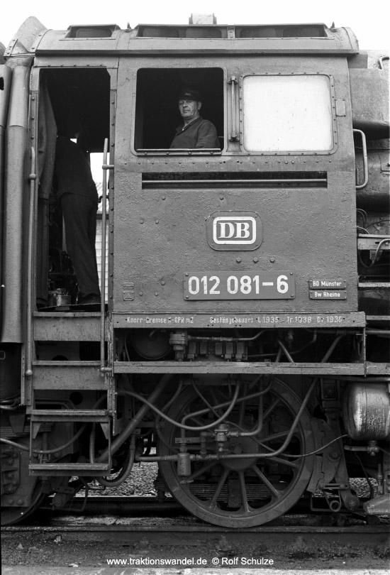 http://www.traktionswandel.de/pics/foren/hifo/1973-06-11_A154-19A_012081-6_BwRheine_dort-Fhs_550.jpg