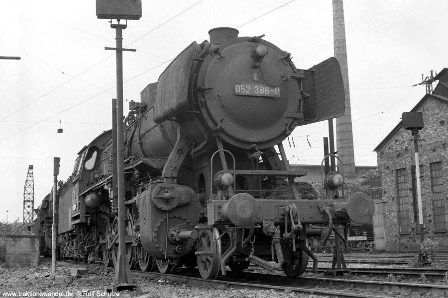 http://www.traktionswandel.de/pics/foren/hifo/1973-07-06_A158-35_052386-0_BwSaarbruecken_dort_900.jpg