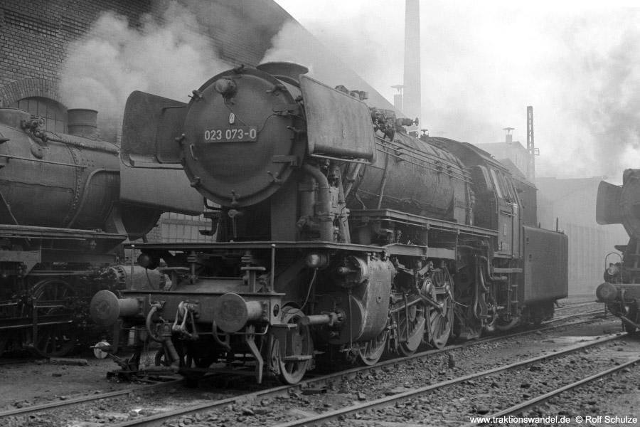 http://www.traktionswandel.de/pics/foren/hifo/1973-07-06_A159-25_023073-0_BwSaarbruecken_dort_900.jpg