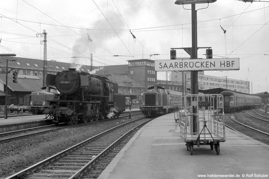 http://www.traktionswandel.de/pics/foren/hifo/1973-07-06_A160-15_2x212_023036-7_BwSBR_SaarbrueckenHbf_900.jpg