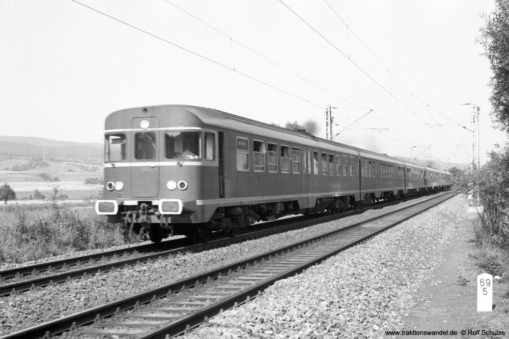 http://www.traktionswandel.de/pics/foren/hifo/1973-08-14_A181-13A_624_624_N_Kinderbeuern_1000.jpg