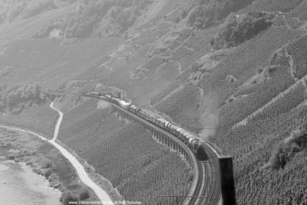 http://www.traktionswandel.de/pics/foren/hifo/1973-08-15_A181-29A_044651-8_BwEhrang_Dg6525_Puenderich_1000aus.jpg