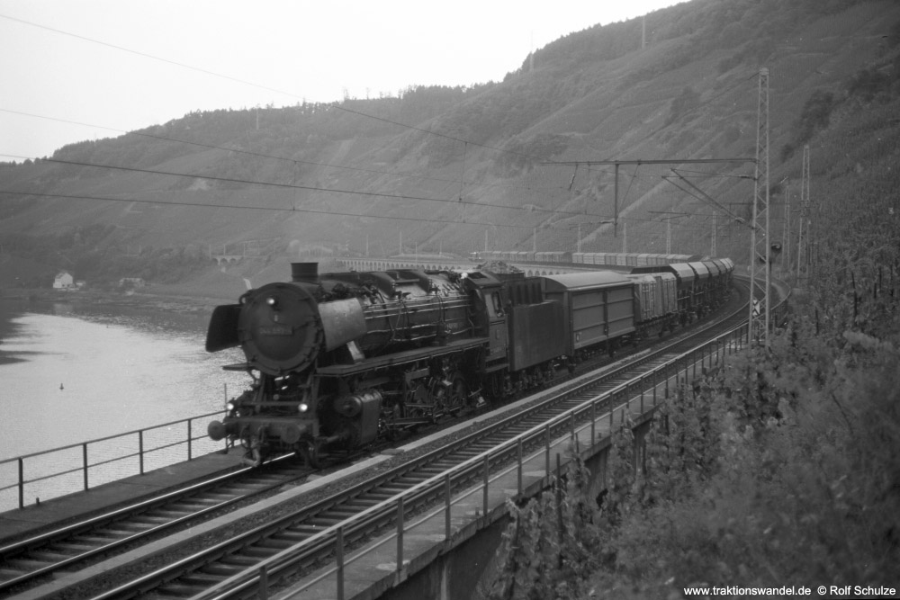 http://www.traktionswandel.de/pics/foren/hifo/1973-08-15_A182-08_044653-4_BwEhrang_Dg6453(82x)_Puenderich_1000.jpg