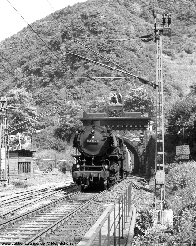 http://www.traktionswandel.de/pics/foren/hifo/1973-08-16_A182-10_044184-0_BwEhrang_Dg6163_Kaiser-Wilhelm-Tunn_800h.jpg