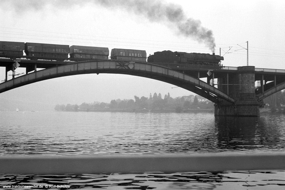 http://www.traktionswandel.de/pics/foren/hifo/1973-08-18_A185-31_044573-4_BwKoblenz-Mosel_Gdg47272_Koblenz-Guels_1000.jpg