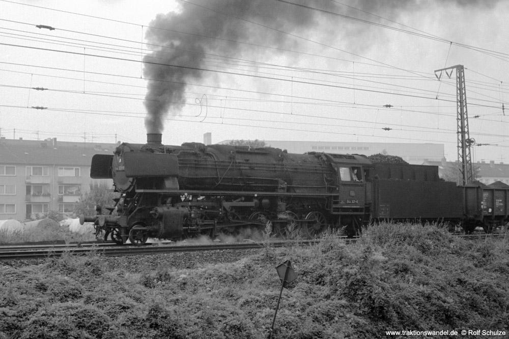 http://www.traktionswandel.de/pics/foren/hifo/1973-08-18_A185-32_044321-8_BwKobl-Mosel_Gz_Koblenz-Mosel-Gbf_1000.jpg