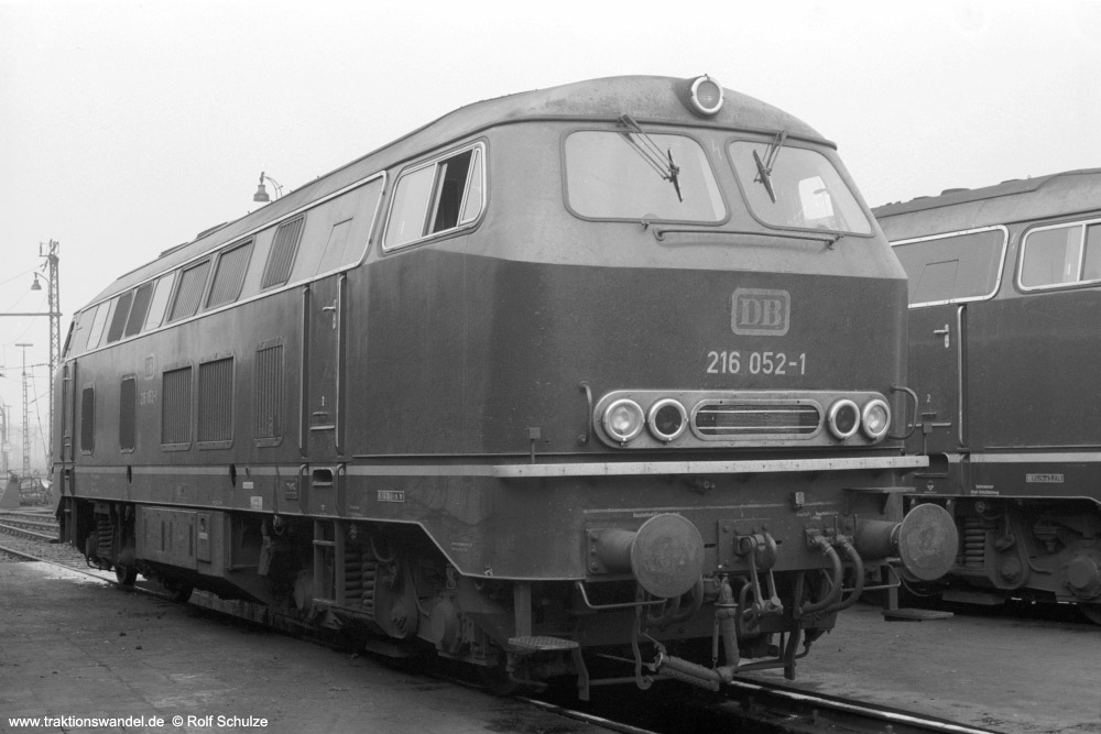 http://www.traktionswandel.de/pics/foren/hifo/1973-08-18_A186-10_216052-1_BwTrier_imBwKoblenz-Mosel_1000.jpg