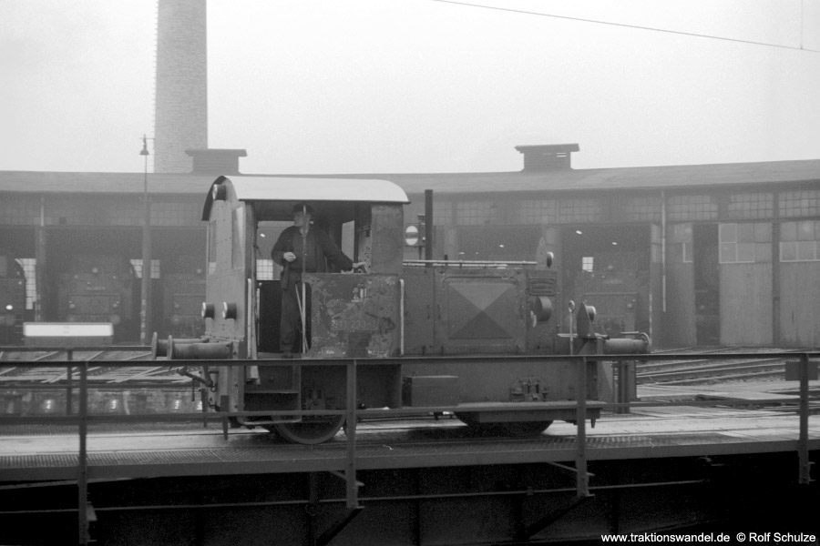 http://www.traktionswandel.de/pics/foren/hifo/1973-10-29_A191-29_311233-1_BwKobklenz-Mosel_dort_900.jpg