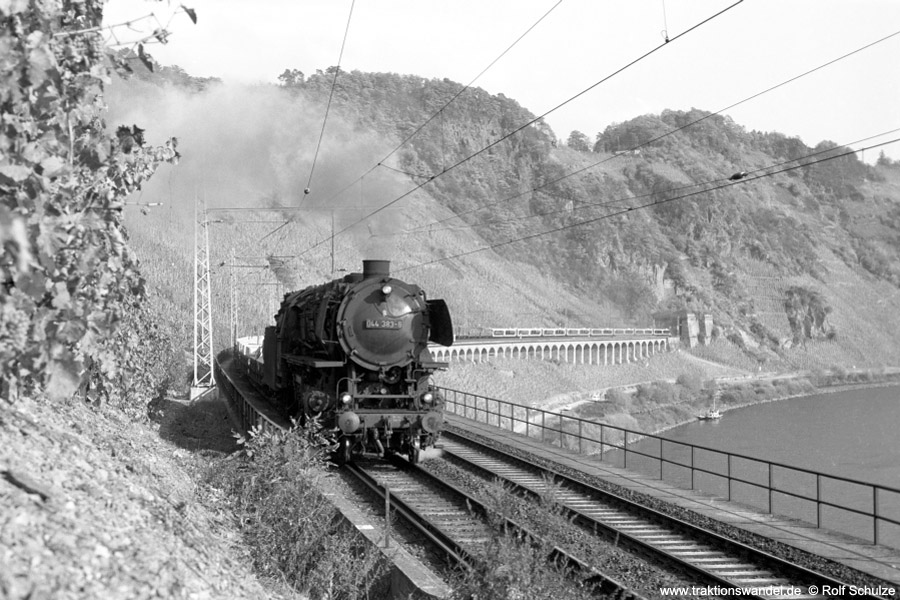 http://www.traktionswandel.de/pics/foren/hifo/1973-10-31_A196-18_044383-8_BwEhrang_Dg6163_Puenderich-Hangviadukt_900.jpg