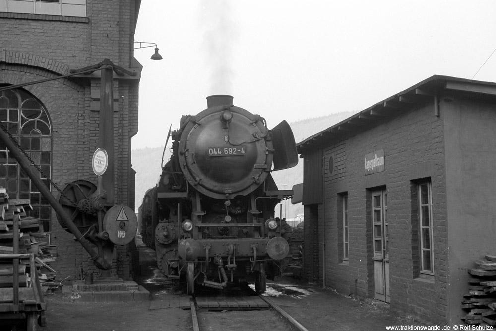 http://www.traktionswandel.de/pics/foren/hifo/1973-11-02_A197-13_044592-4_BwBetzdorf_dort_1000.jpg