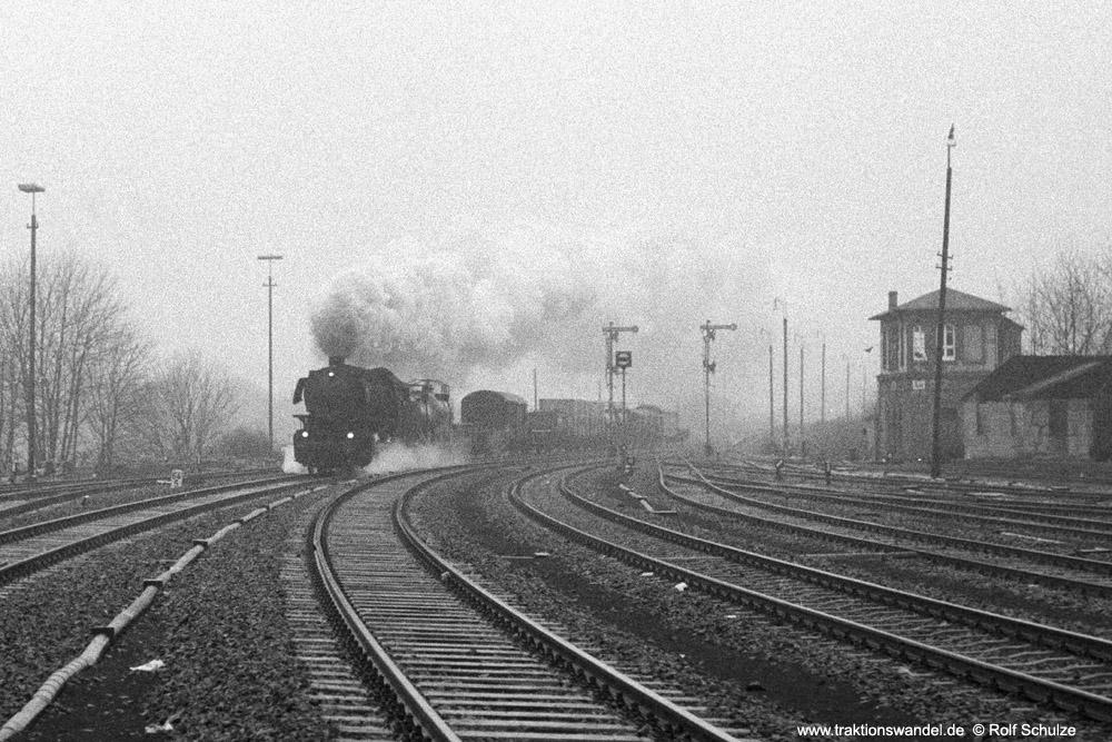 http://www.traktionswandel.de/pics/foren/hifo/1973-12-28_A199-2-05_044592-4_Bw-Betzdorf_Dg6109_Au_1000.jpg