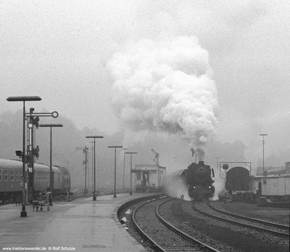 http://www.traktionswandel.de/pics/foren/hifo/1973-12-28_A200-12_044121-2_BwBetzdorf_Ng16306_Ausf-Betzdorf_Aus_1000.jpg