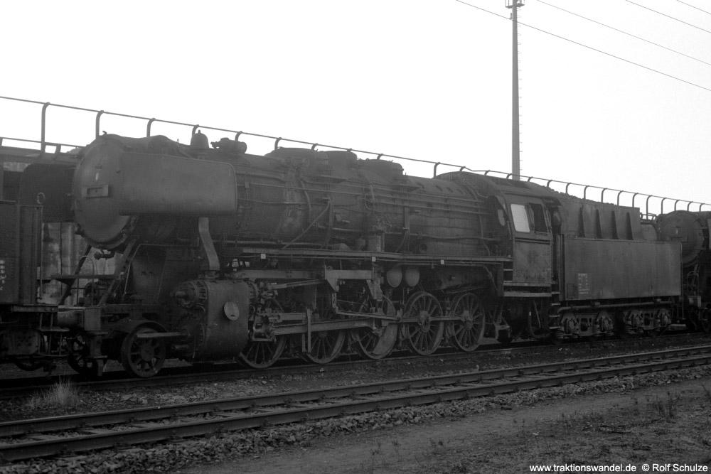 http://www.traktionswandel.de/pics/foren/hifo/1973-12-29_A203-14_50z_BwKoeln-Eifeltor_imBwGremberg_1000.jpg