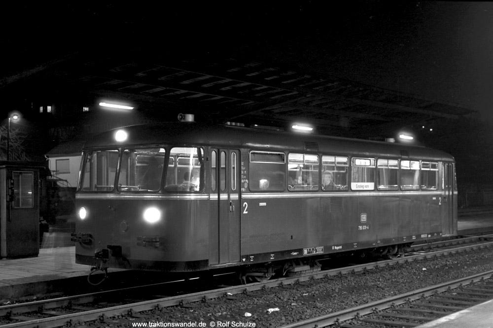 http://www.traktionswandel.de/pics/foren/hifo/1973-12-29_A203-18_795639-4_BwBetzdorf_N4581_Bf-Betzdorf_nachDaaden_1000.jpg