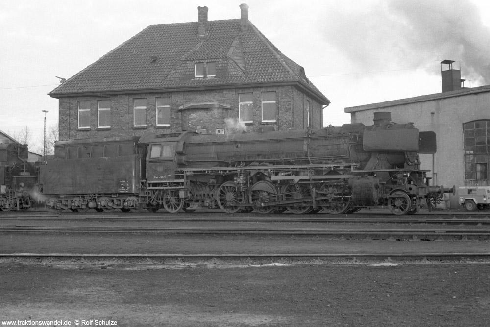 http://www.traktionswandel.de/pics/foren/hifo/1974/1974-01-03_A204-18_042226-1_BwRheine_dort_1000.jpg