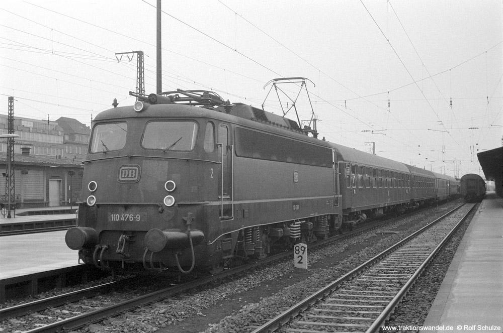 http://www.traktionswandel.de/pics/foren/hifo/1974/1974-03-16_A215-1-03_110476-9_BwDortmunfBbf_D_Aschaffenburg_1000.jpg