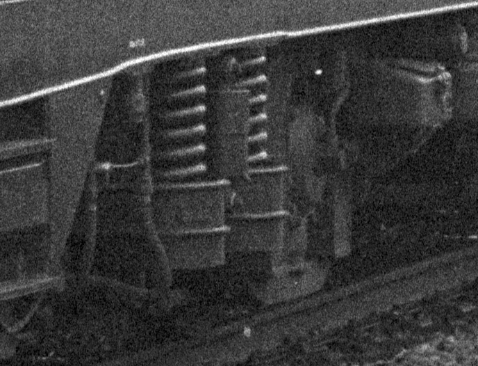http://www.traktionswandel.de/pics/foren/hifo/1974/1974-03-16_A215-1-03_110476-9_Flexicoil-Federn.jpg