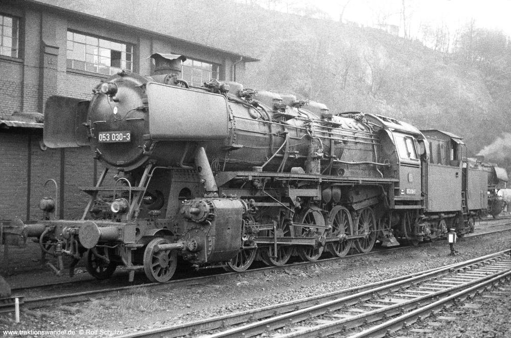 http://www.traktionswandel.de/pics/foren/hifo/1974/1974-03-24_A218-08_053030-3_BwBetzdorf_dort_ls_1000.jpg