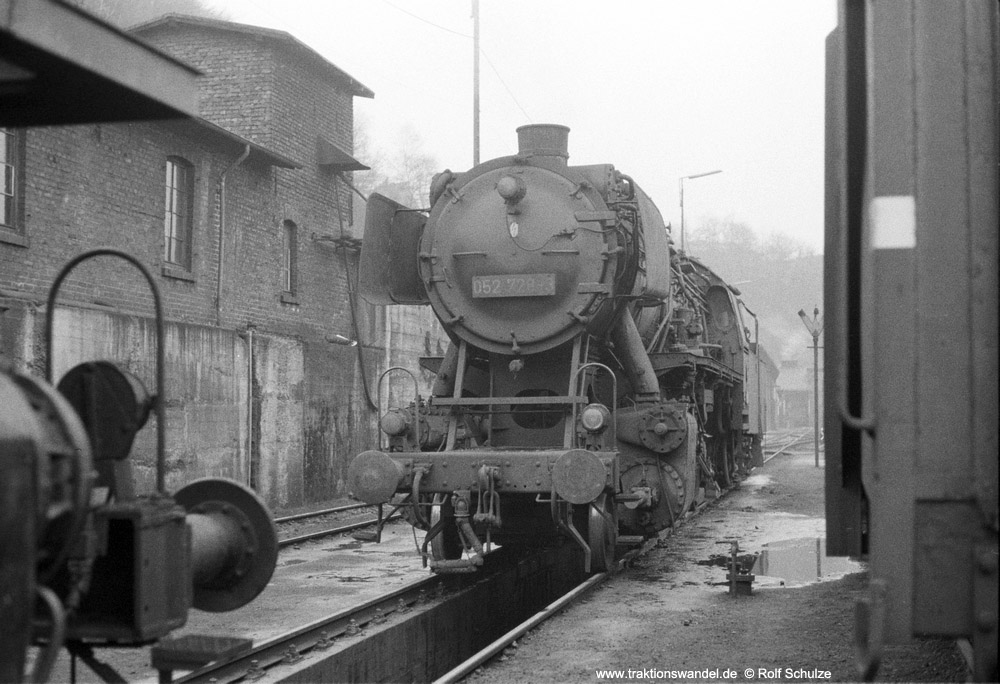 http://www.traktionswandel.de/pics/foren/hifo/1974/1974-03-24_A218-12_052728-3_BwBetzdorf_dort_lss_1000.jpg