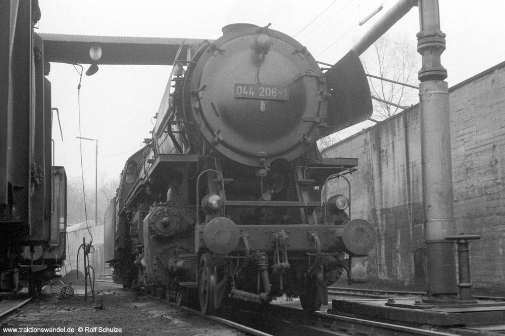 http://www.traktionswandel.de/pics/foren/hifo/1974/1974-03-24_A218-15_044206-1_BwBetzdorf_dort_rss_1000.jpg