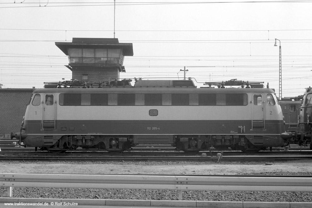 http://www.traktionswandel.de/pics/foren/hifo/1974/1974-03-30_A219-06_112265-4_BwDo-Bbf_imBwFFM-1_1000.jpg