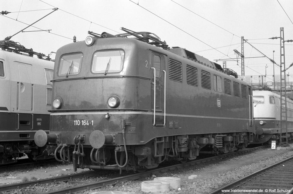 http://www.traktionswandel.de/pics/foren/hifo/1974/1974-03-30_A219-08_111164-1_BwFFM-1_dort_1000.jpg