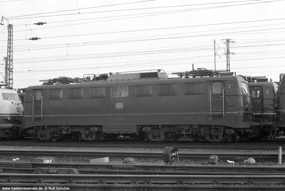 http://www.traktionswandel.de/pics/foren/hifo/1974/1974-03-30_A219-16_110165-8_BwFrankfurt-M-1_dort_1000.jpg